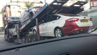 Nuevo Ford Mondeo: foto espía junto a dos SUV