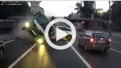Vídeo: brutal accidente de una grúa en Rusia