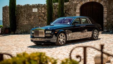 Un Rolls Royce Phantom termina en una plantación de arroz