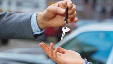 Alquilar un coche es más barato que un taxi al aeropuerto