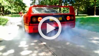 Un adolescente de 17 años quema rueda con un Ferrari F40