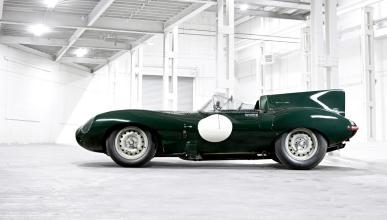 Jaguar D-Type de 1955 vista lateral