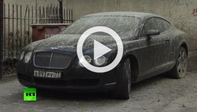 Vídeo: un Bentley Continental GT acaba cubierto de hormigón