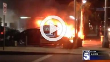 Provocan un incendio en un concesionario de BMW