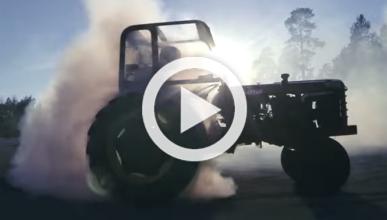 Gymkhana rural con un tractor de 225 CV