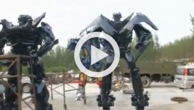 Un taller chino crea Transformers con piezas de coches