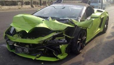 Brutal accidente de un Lamborghini Gallardo en Indonesia