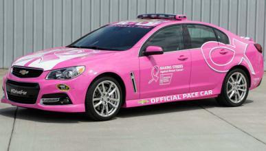 Un coche de seguridad rosa para la Nascar
