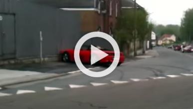 Derrapar con un Ferrari no siempre sale bien