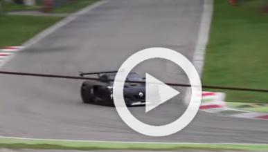 Así rueda y suena el Renault RS 01 en el circuito de Monza