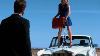 Vídeo: hace explotar un Rolls-Royce Silver Shadow