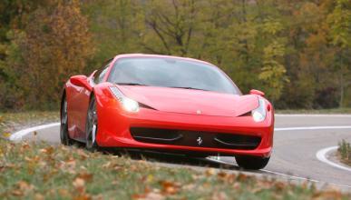 Dos personas mueren a bordo de un Ferrari 458 en Boston