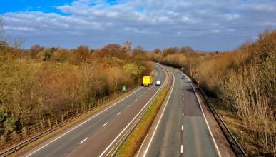 Un británico abre su propia carretera y gana dinero