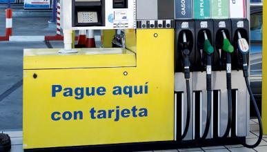 El precio del combustible baja a niveles del verano de 2011