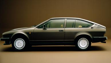 Alfa Romeo Alfetta GTV lateral