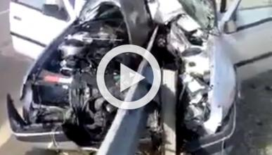 ¿Qué pasa cuando tu coche es atravesado por un guardarraíl?