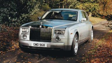 Un Rolls-Royce Phantom convertido en coche fúnebre
