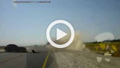 Vídeo: accidente de un Infiniti EX contra un camión