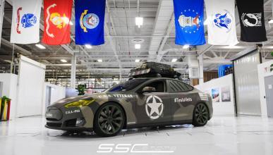 Tesla Model S camuflaje - frontal