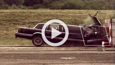 Vídeo: esto es lo que pasa cuando una limusina se estrella