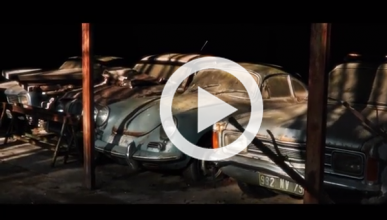 Encuentran una colección de 60 coches clásicos en un granja
