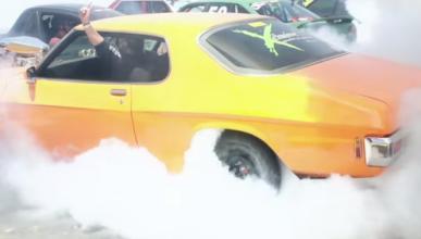 Récord Guinness: 103 coches quemando rueda a la vez