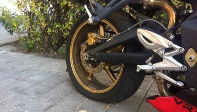 ¿Bajar la presión de las ruedas de tu moto en invierno?