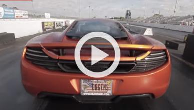 Vídeo: Mira este McLaren MP4-12C acelerando a tope