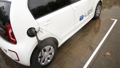 Volkswagen nos enseña cómo se carga un coche elécrico