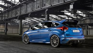 Ford Focus RS 2015 trasera