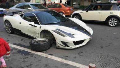 Un Ferrari Mansory Siracusa acaba destrozado en China