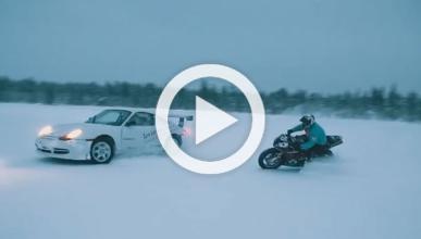Vídeo: baile sobre hielo ¡sobre dos y cuatro ruedas!