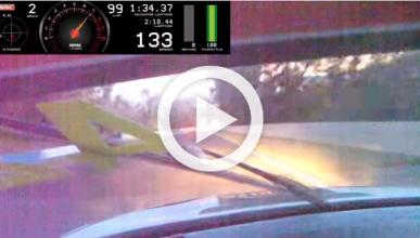 Vídeo: un BMW M3 GTR atropella un canguro en plena carrera