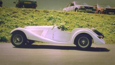 A subasta este Squire Eight prototipo de los años 90