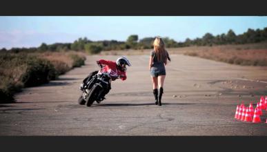Gymkhana drift en moto: Jorian Ponomareff en estado puro