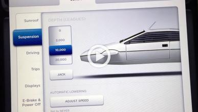 ¡Easter egg de Tesla!: se convierte en un submarino de 007