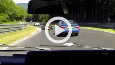 Vídeo: un VW Golf Mk2 pasa a todos en Nürburgring