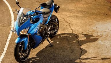 nueva-Suzuki-GSX-S1000F-azul