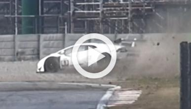 Vídeo: espectacular accidente de un Huracán Super Trofeo