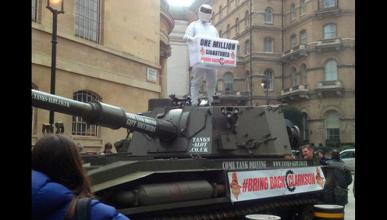 Un tanque por las calles para apoyar a Jeremy Clarkson