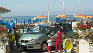 Ocho consejos para viajar seguro con el coche en verano