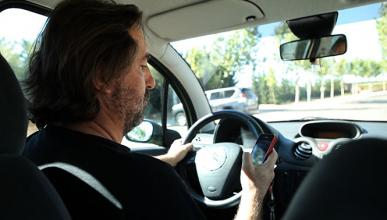 Usar el móvil al volante, un problema en toda Europa
