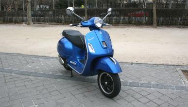 Vespa-GTS-300-ie-Sport