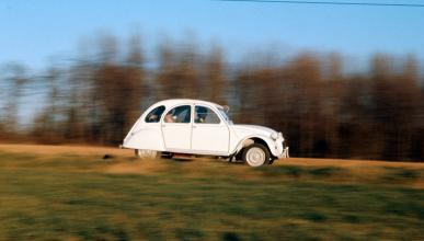 Citroën 2CV lateral