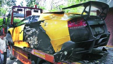Accidente de un Lamborghini Murciélago LP670-4 SV en India