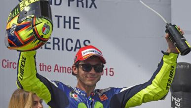 """Rossi, tercero: """"El neumático delantero se ha destruido"""""""