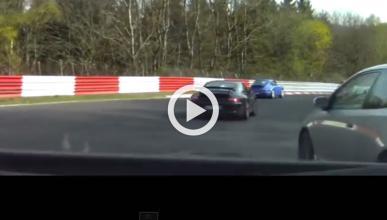 Un Clio RS vuelca al cruzarse con un GT-R en Nürburgring