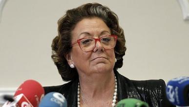 Rita Barberá saca su coche del ayuntamiento 23 años después