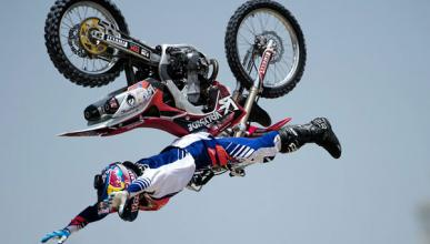 Vídeo: Espectacular triple salto mortal de Nitro Circus