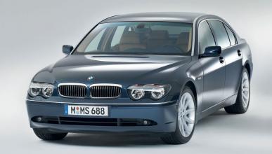 Frankestein: Una limusina Lincoln transformada en un BMW...